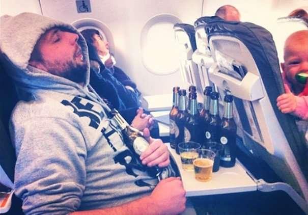 annoying passenger shaming flight travel airlines 161 605