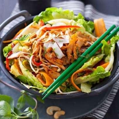 1282010301368-salade-thai-vegetarienne