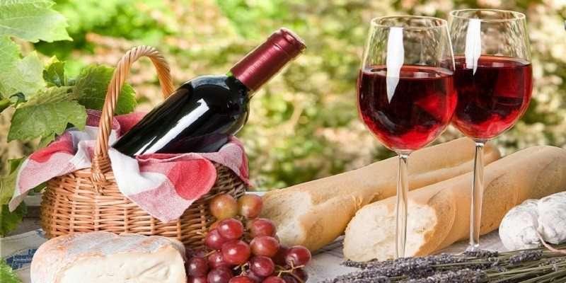 Red Wine in Glasses 1 800x400 1